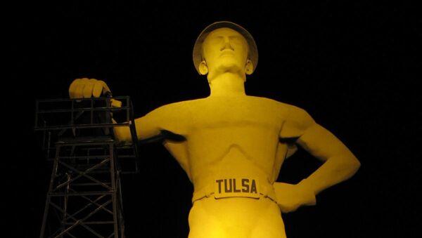 Escultura gigante del Perforador Dorado en Tulsa, EEUU - Sputnik Mundo