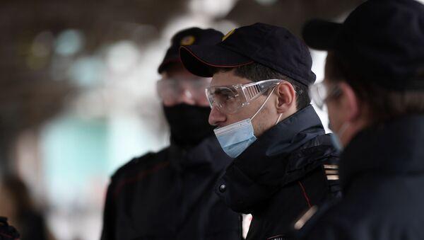 Policías rusos - Sputnik Mundo