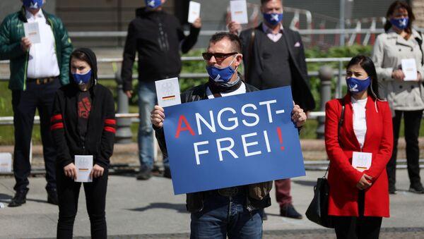 Manifestaciones contra el confinamiento en Alemania - Sputnik Mundo