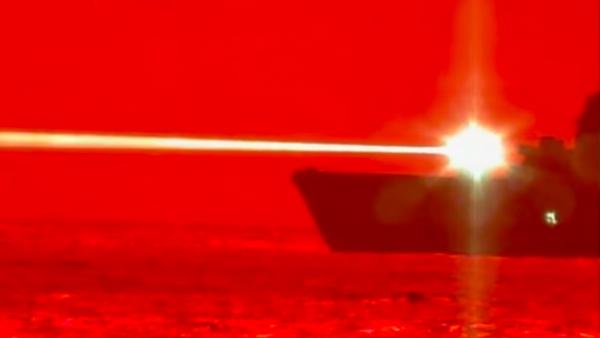 EEUU pone a prueba un cañón láser naval capaz de abatir drones | Vídeo - Sputnik Mundo