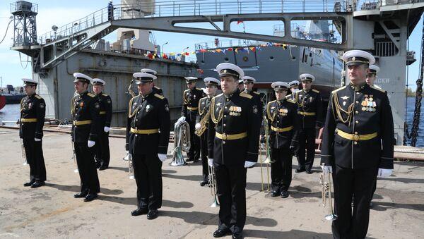 La botadura de la fragata Almirante Golovko - Sputnik Mundo