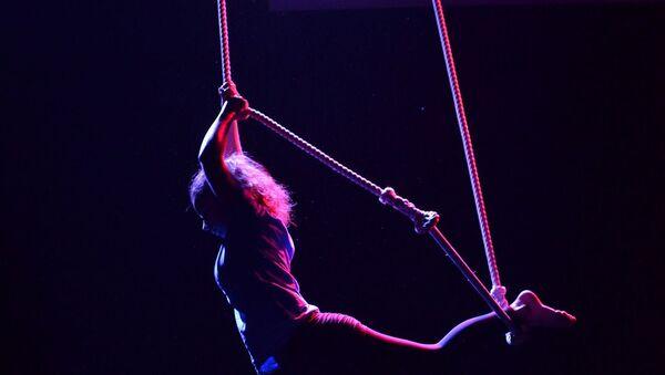 Una trapecista - Sputnik Mundo