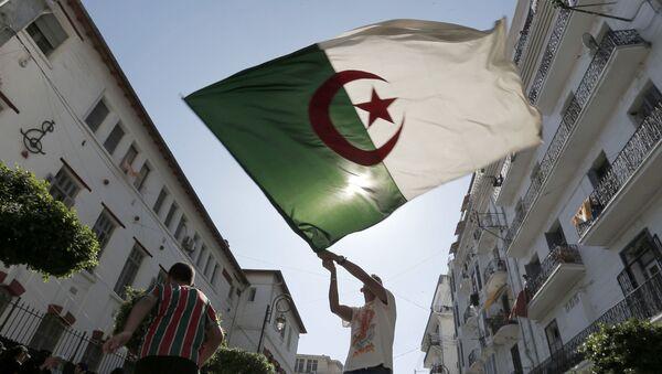 La bandera de Algeria - Sputnik Mundo