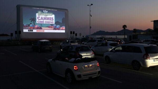 Autocine en Cannes - Sputnik Mundo