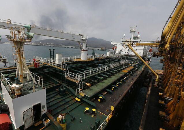 Cubierta del buque iraní Fortune al arribar a costas venezolanas