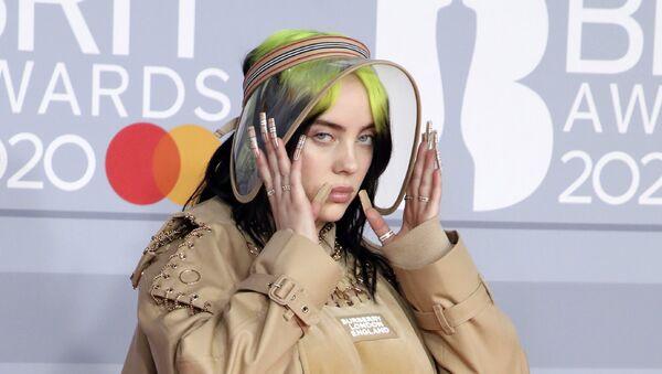 Billie Eilish en febrero de 2020 - Sputnik Mundo