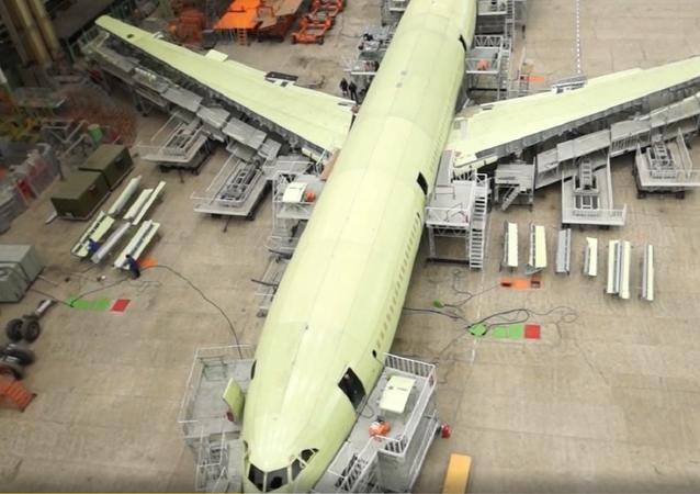 El renacimiento del Il-96-400M visto desde dentro