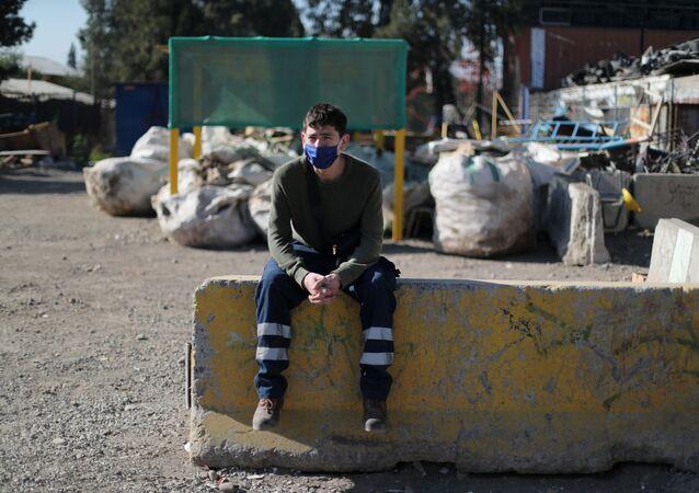 Un recolector de basura en Santiago