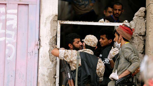 Fuerzas de Seguridad yemeníes tratan de prevenir que la gente salga de sus domicilios - Sputnik Mundo