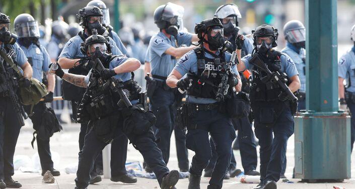 La Policía durante las protestas en Minneapolis