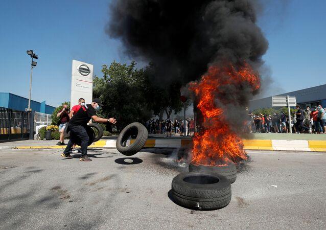 Protestas contra el cierre de la fábrica de Nissan en Barcelona