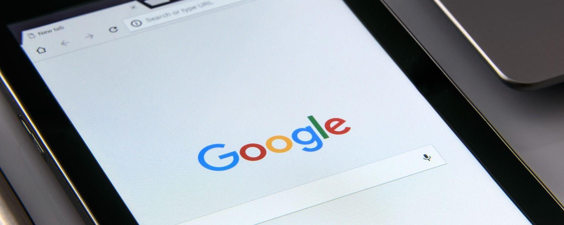 Una tableta con el buscador de Google - Sputnik Mundo, 1920, 18.06.2020