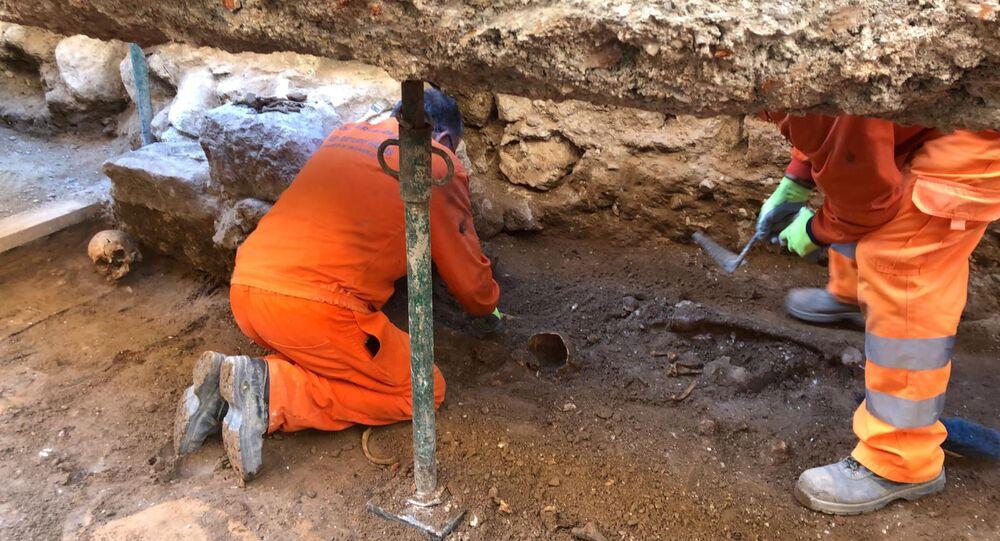 Pared de la Capilla de las Maravillas en la excavación arqueológica de Valladolid (España)
