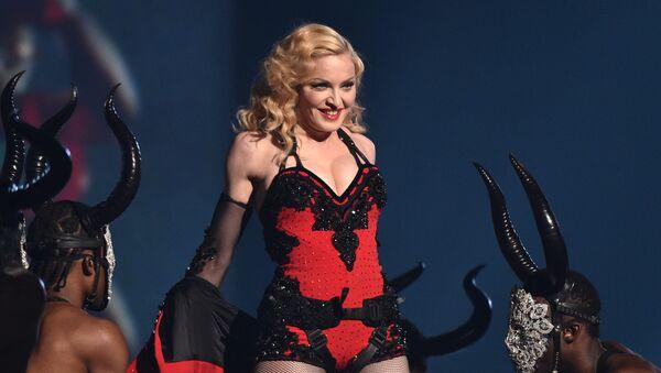 Певица Мадонна выступает на 57-й ежегодной премии Грэмми в Лос-Анджелесе, США, 2015 год - Sputnik Mundo