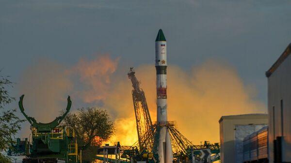 Lanzamiento del Soyuz-2 del cosmódromo de Baikonur - Sputnik Mundo