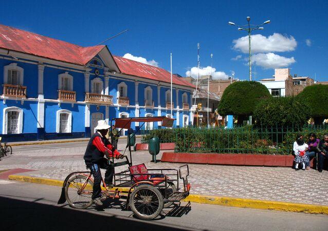 Triciclo en Puno, Perú