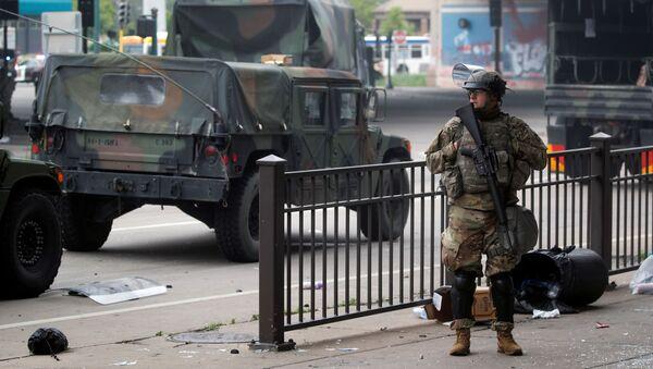 Guardia Nacional en Minneapolis - Sputnik Mundo