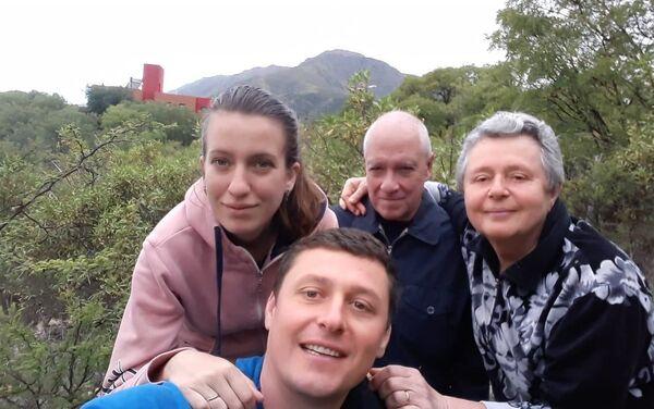 Dimitry Govor llegó a los 13 años a Argentina, junto a sus padres y hermana - Sputnik Mundo