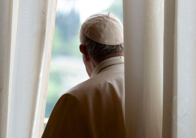 El Papa Francisco lleva a cabo una audiencia general  virtualmente debido al brote de coronavirus en el Vaticano (archivo)