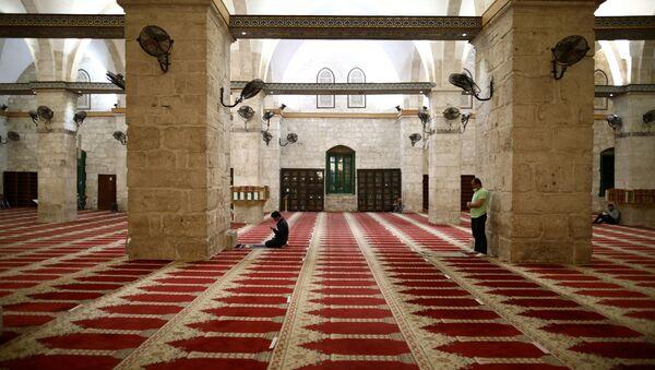 Interior de la mezquita de Al Aqsa - Sputnik Mundo