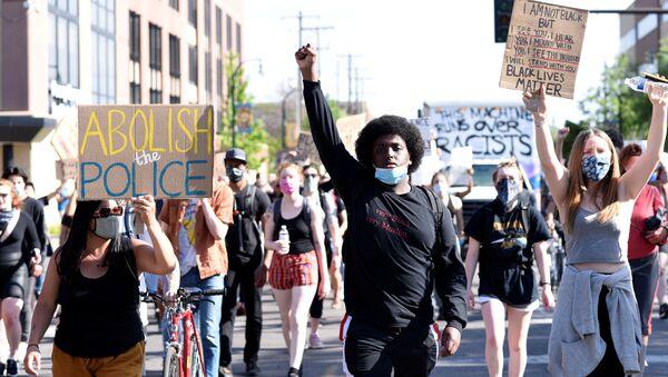 Protestas en Minneapolis  - Sputnik Mundo