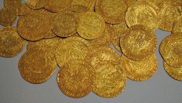 Unas monedas antiguas (imagen referencial) - Sputnik Mundo