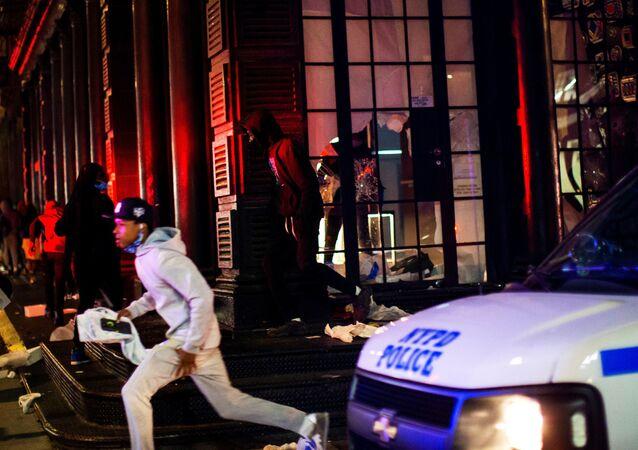 La Policía de Minneapolis durante las protestas en EEUU