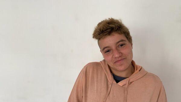 Andrea, miembro del colectivo Ni todo está perdido - Sputnik Mundo