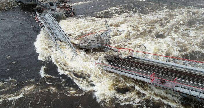 El derrumbe del puente en Múrmansk, Rusia