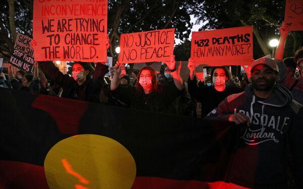 Protestas en Sídney por la muerte del afroamericano George Floyd en EEUU - Sputnik Mundo