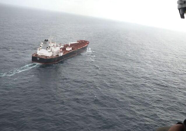 Venezuela recibe al quinto petrolero iraní