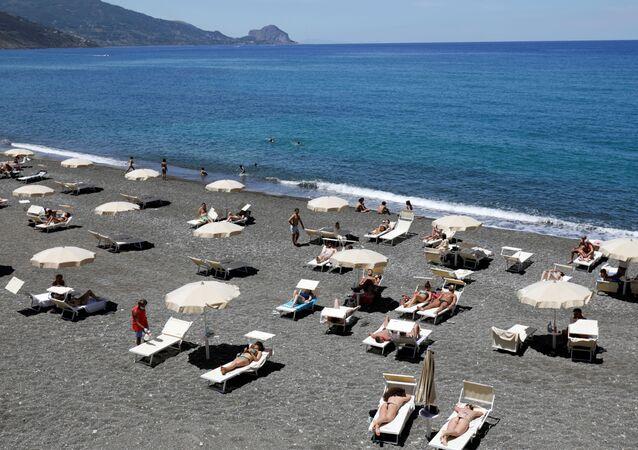 Una playa en Sicilia, Italia