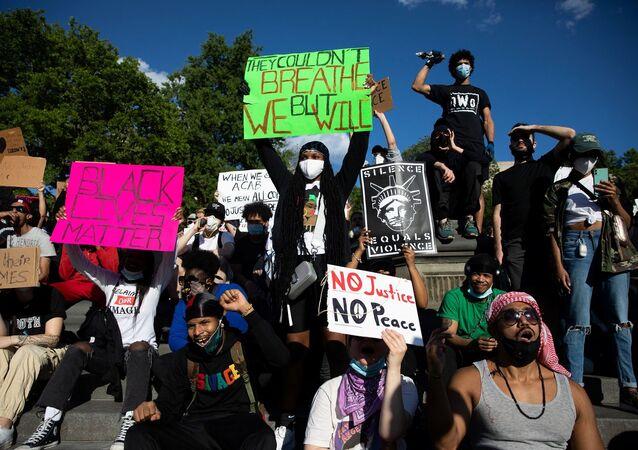 Nueva York se manifiesta contra la brutalidad policial