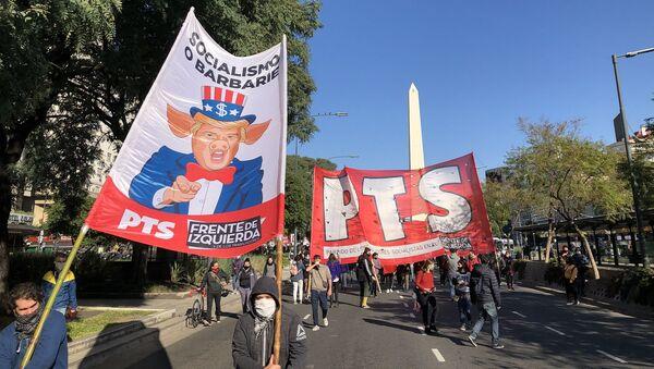 Manifestantes argentinos marchan contra la represión policial en EEUU - Sputnik Mundo