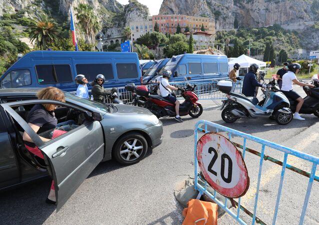Apertura de la frontera entre Italia y Francia