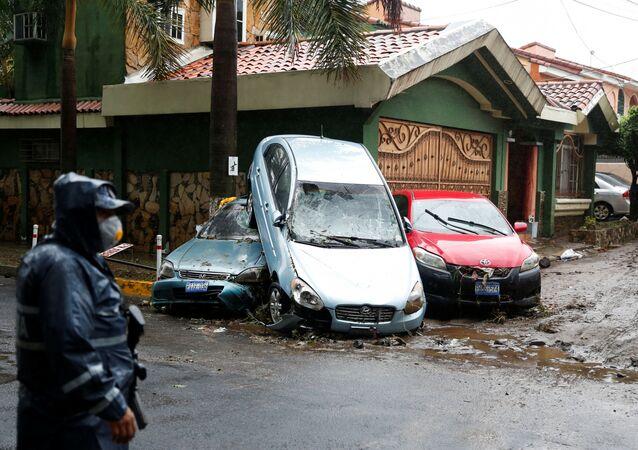 Las consecuencias de la tormenta tropical Amanda en El Salvador
