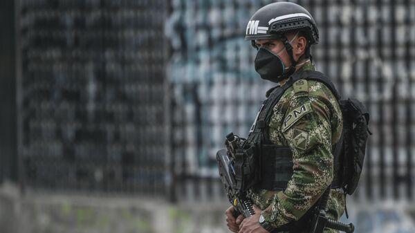 Un policía colombiano, imagen referencial - Sputnik Mundo