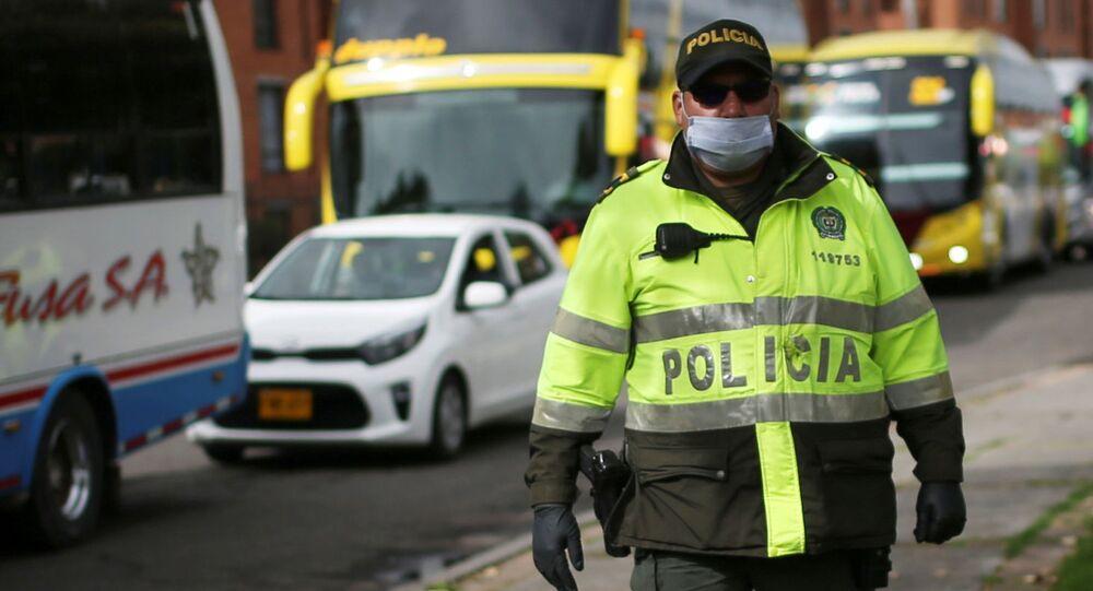 Un agente de Policía en Bogotá