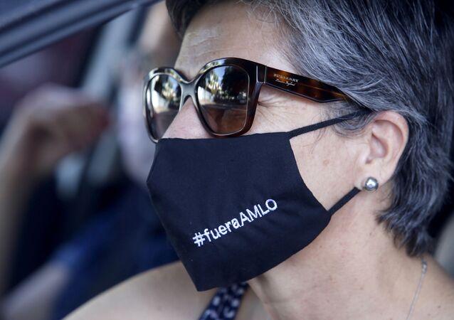 Una participante de la caravana que marchó el 30 de mayo para manifestarse en contra del Gobierno del presidente Andrés Manuel López Obrador