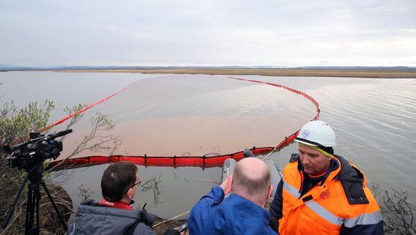 Derrame de combustible en Norilsk, Rusia - Sputnik Mundo