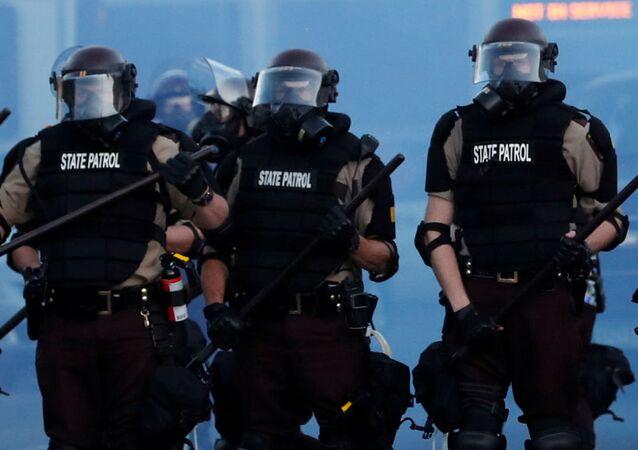Agentes de Policía durante una protesta, foto de archivo
