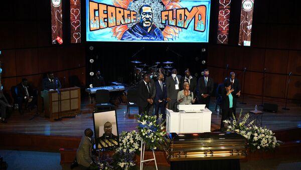 El servicio conmemorativo en Minneapolis para honrar a George Floyd - Sputnik Mundo