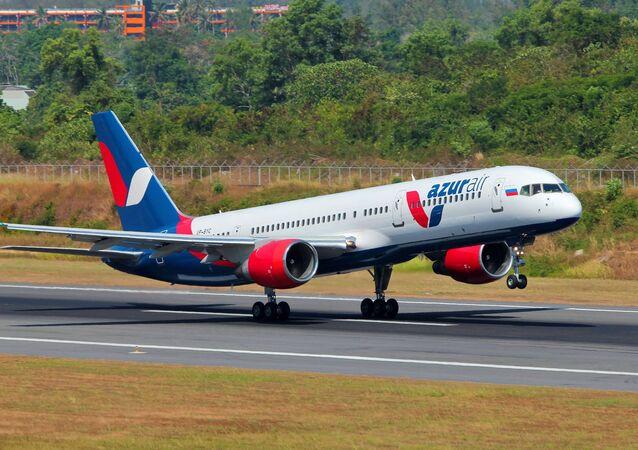 Un avión de la aerolínea rusa Azur Air