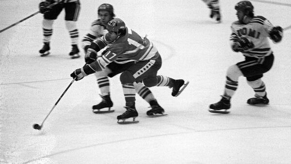 Valery Jarlámov, la leyenda soviética del hockey durante el partido URSS-Finlandia - Sputnik Mundo