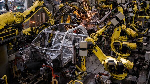 Una planta de producción de automóviles - Sputnik Mundo