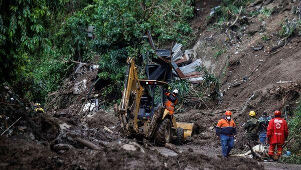 Consecuencias del alud en el municipio Santo Tomás, El Salvador - Sputnik Mundo