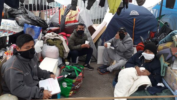 Ciudadanos peruanos varados en Chile - Sputnik Mundo