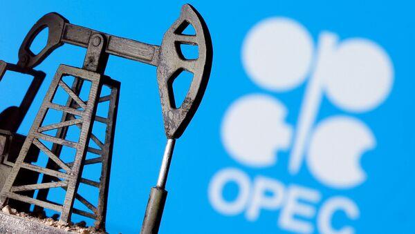 El logo de OPEP y una bomba de petróelo impresa en 3D - Sputnik Mundo