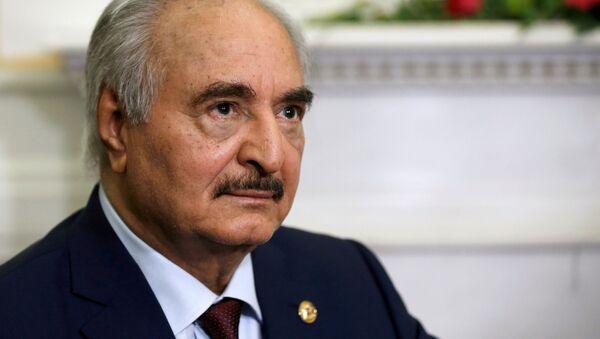 Jalifa Haftar, comandante del Ejército Nacional Libio - Sputnik Mundo