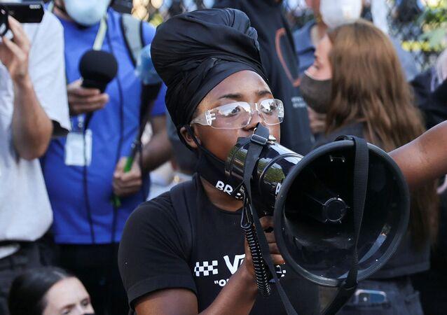 Protesta en el parque Lafayette Square, archivo